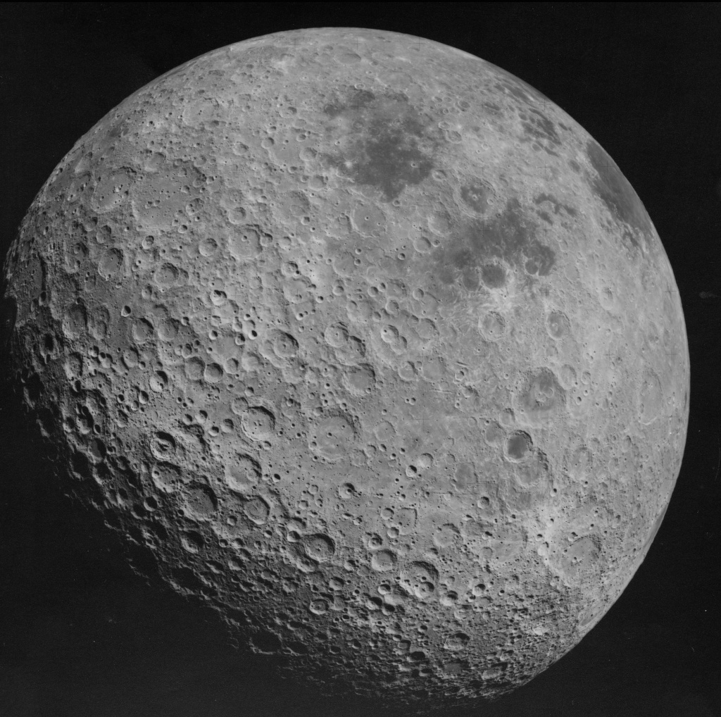 Back_side_of_the_Moon_AS16-3021.jpg