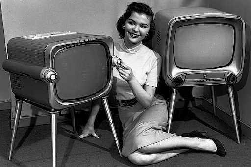 old-tv-set (1).jpg